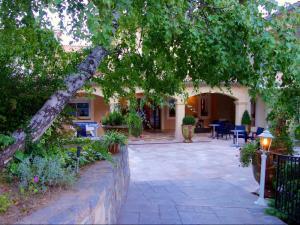 Hotel logis la porte des cevennes la terrasse